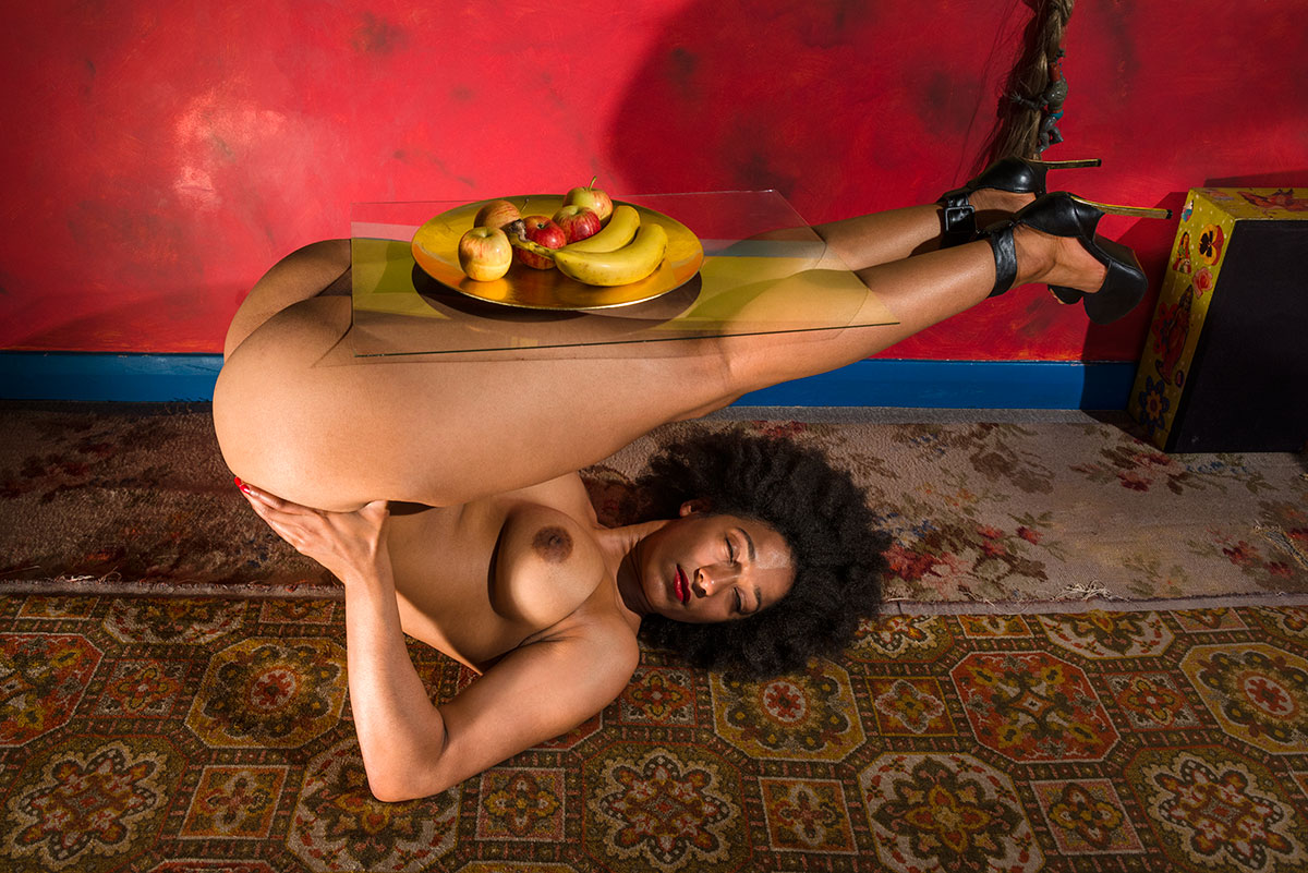 sativa-head-over-heels-table-01
